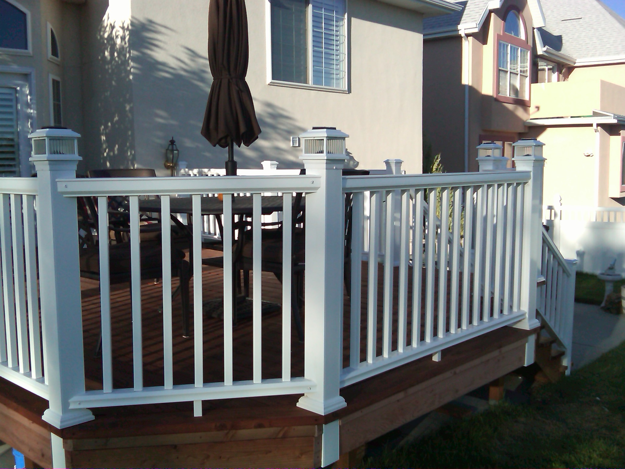 Build wood deck railing plans download wooden jewellery for Composite deck railing