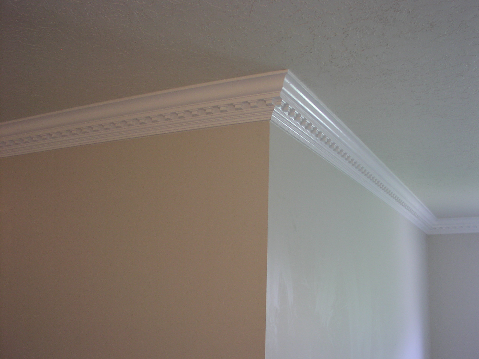 crown molding ideas for low ceilings - Trim carpentry