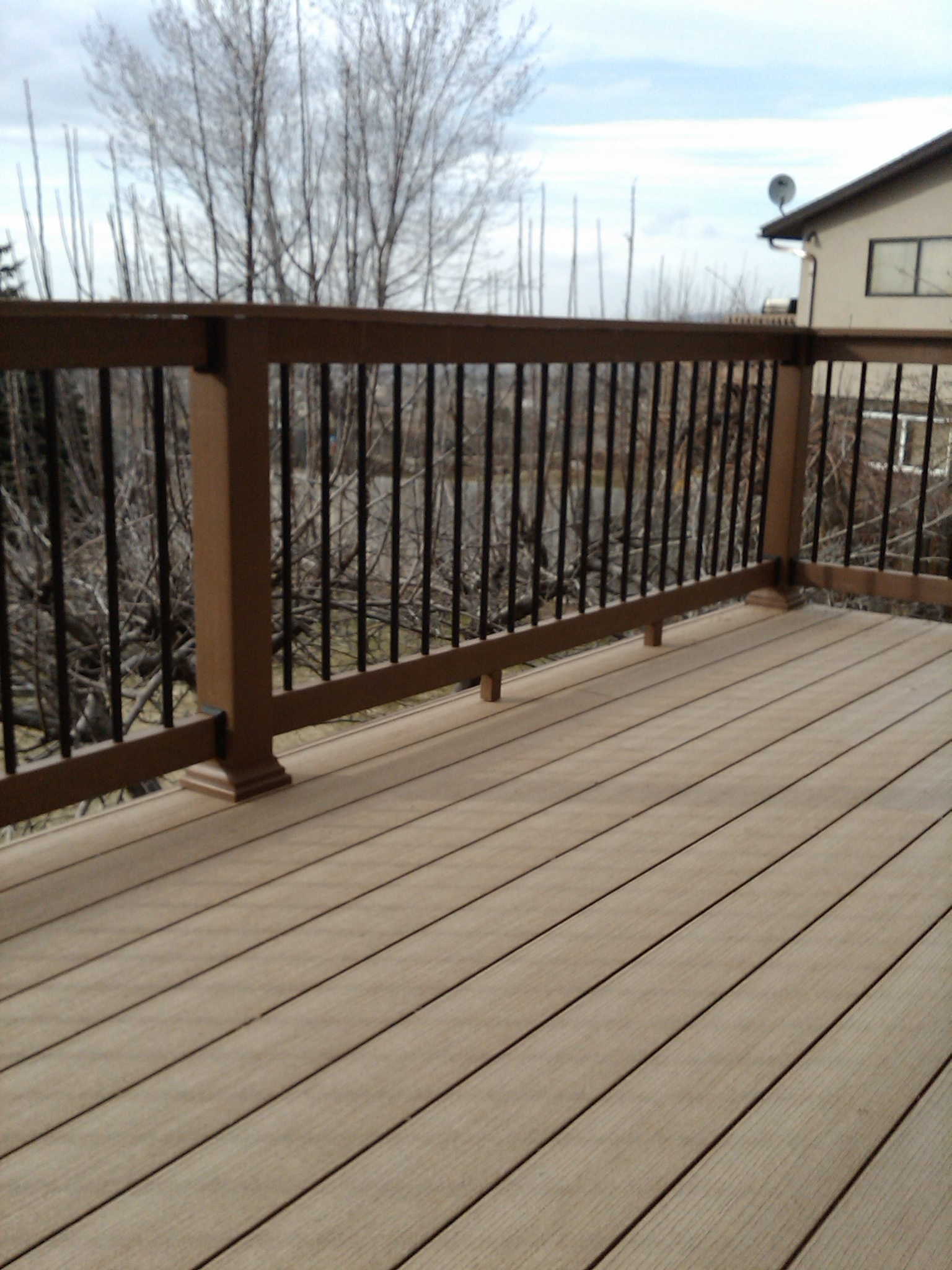 Wooden wood deck materials pdf plans for Best composite decking material